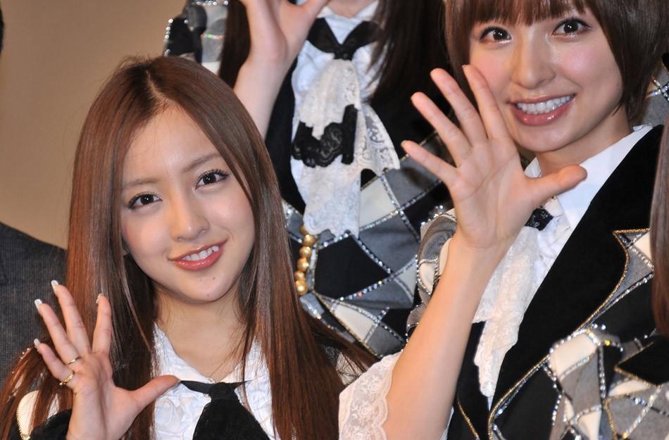 日本美女板野友美制服图片
