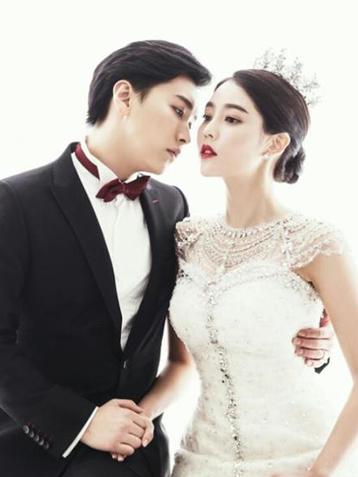 韩国天团晟敏与金思恩举行婚礼 成团内首位人夫
