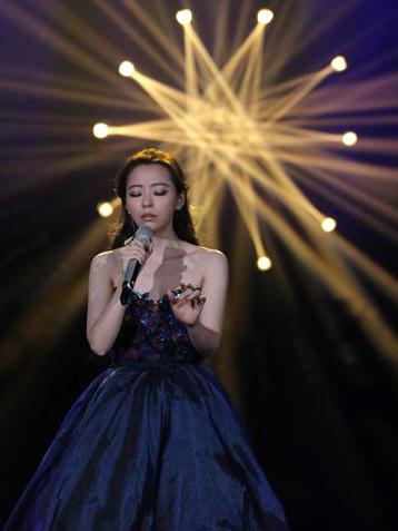 """海豚公主张靓颖《我是歌手》第三季重磅回归被全场高呼""""女神"""""""