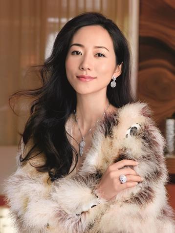韩雪时尚大片佩戴千万珠宝展成熟优雅魅力