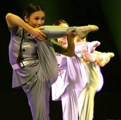 娘子军舞蹈新舞姿