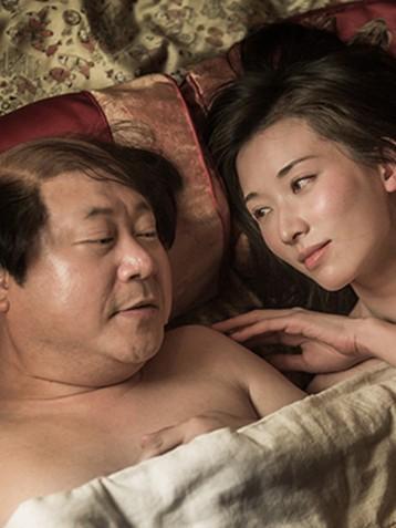 新片《道士下山》曝光范伟与林志玲滚床单情节