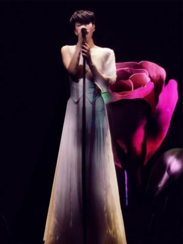 王菲邓丽君隔空对唱《清平调》将于5月8日全球发行