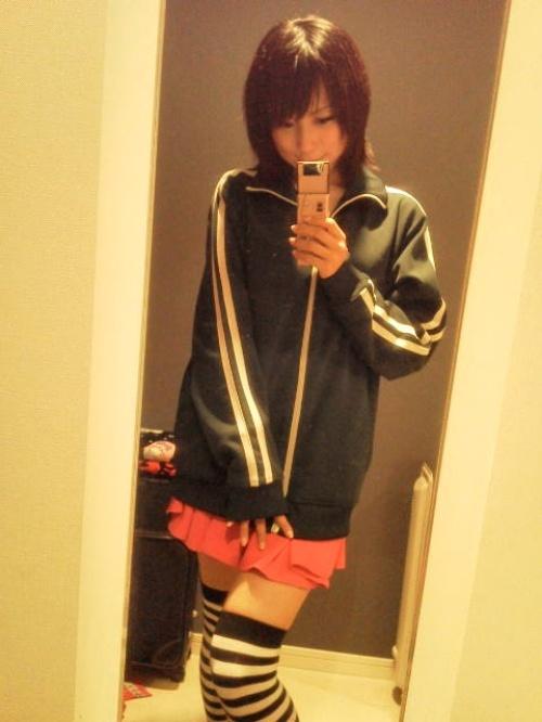 日本少女家中换制服自拍