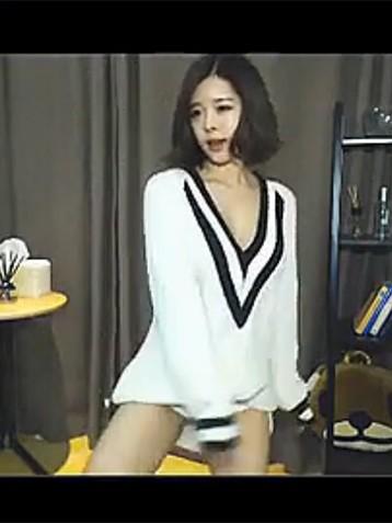韩国15岁小美女主播极致诱惑