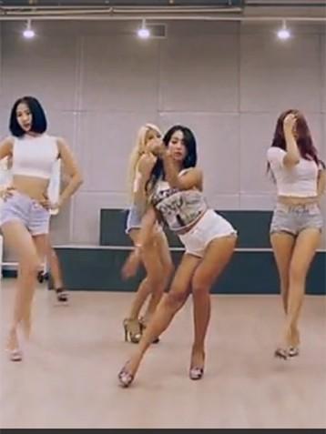 一堆大长腿美女热舞视频