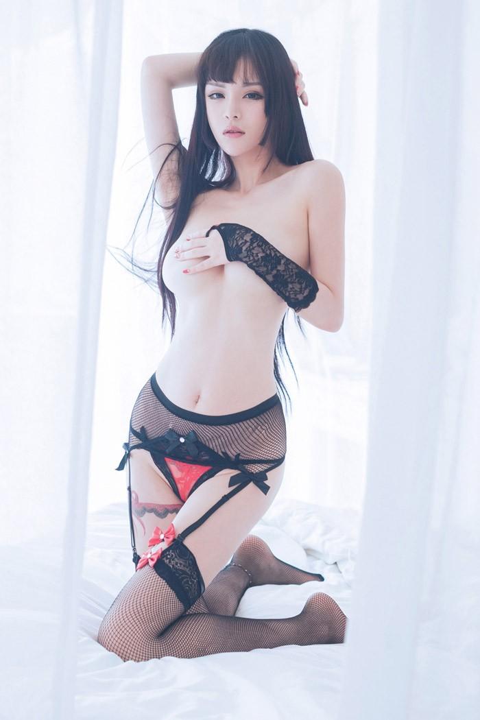 连下体网袜美女模特图