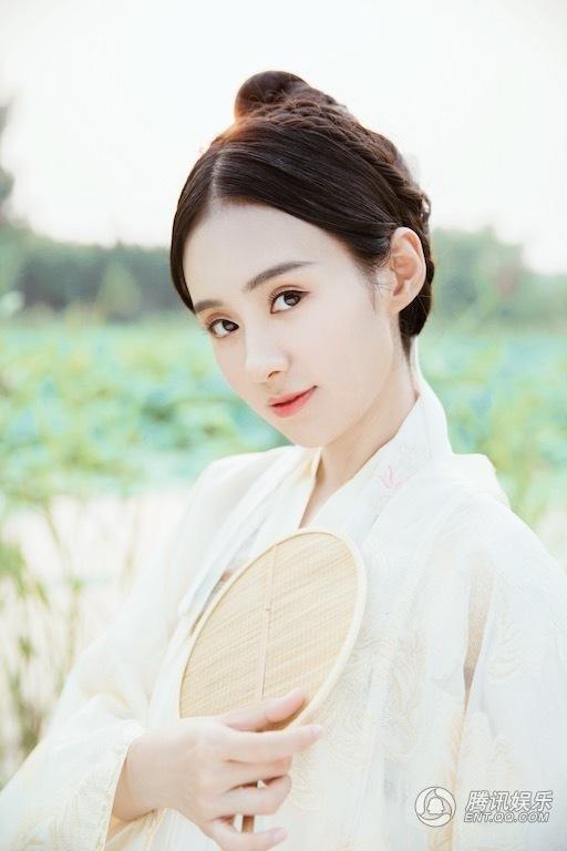 郑合惠子新年写真