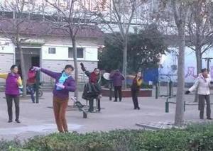 广场舞大妈遭袭击 吓得大妈们都跳不下去了!