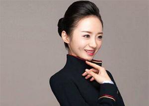 速围观!深航空姐刘苗苗获评世界最美空姐