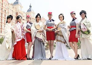 """八名空姐的宿舍 网友赞为""""史上最唯美毕业照"""""""
