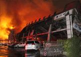 厦门广本4S店突发爆炸 60多部新车被烧毁
