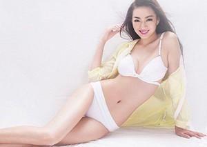 """中国模特1.15米大长腿美女""""美腿壁咚"""""""