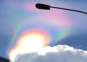 美!新加坡出现火彩虹 火彩虹是怎样形成的?