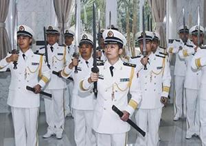 肃然起敬!海军首次授剑仪式 3大佩剑长啥样?