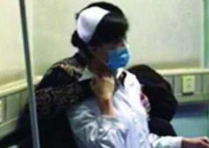 男子持刀挟持护士被警方击毙 人质获救