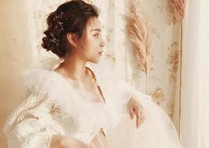 王思聪前女友拍孕肚照白色纱裙似小仙女