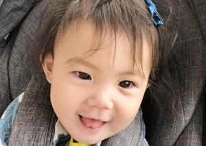 """陈冠希节日成""""晒女狂魔""""小公主眼睛被赞像爸爸"""
